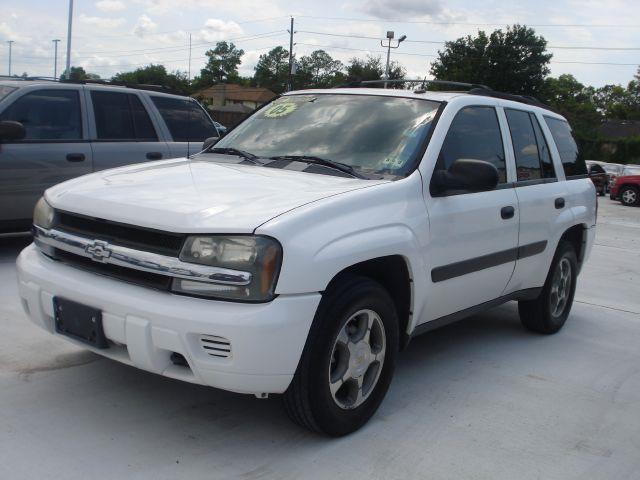 2005 CHEVROLET TRAILBLAZER LS 4WD white its so easy to be approved here your job  bills get you