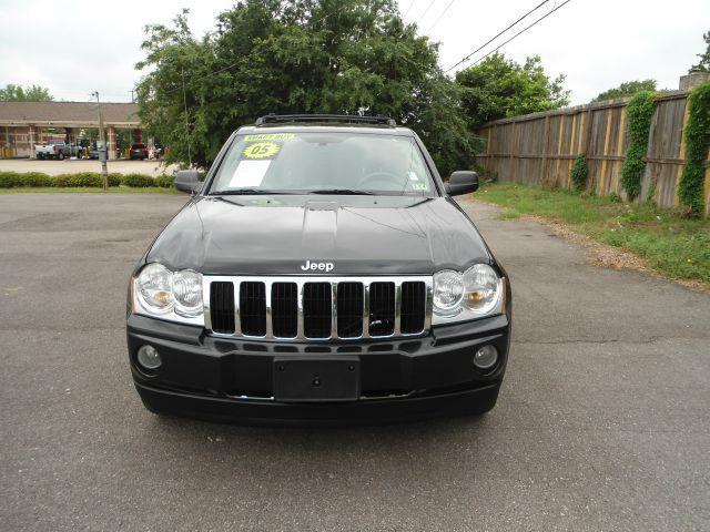 2005 JEEP GRAND CHEROKEE LIMITED black down payment 2500  excel motors offers an extensive invent