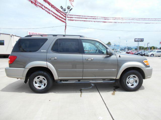 2004 TOYOTA SEQUOIA SR5 2WD 8 PSSNGR gray 2004 toyota sequoia sr5- gray exterior- gray leather int