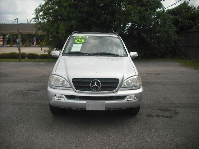 2002 MERCEDES-BENZ M-CLASS ML320 silver down payment 1500  excel motors offers an extensive inven