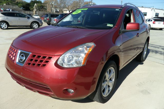 2008 NISSAN ROGUE red great family vehicle also very economical as well drives and runs great y
