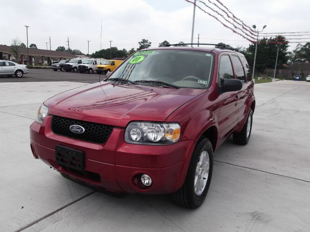 2007 FORD ESCAPE LIMITED 2WD red its so easy to be approved here your job  bills get you on the