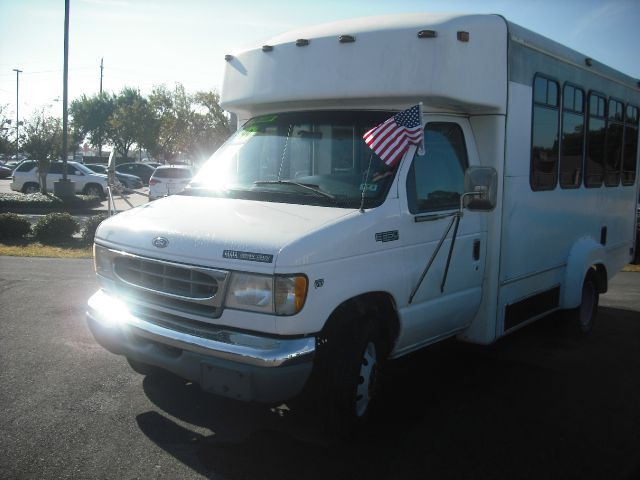 1999 FORD ECONOLINE E350 SUPER DUTY white down payment 2000 excel motors offers an extensive inv