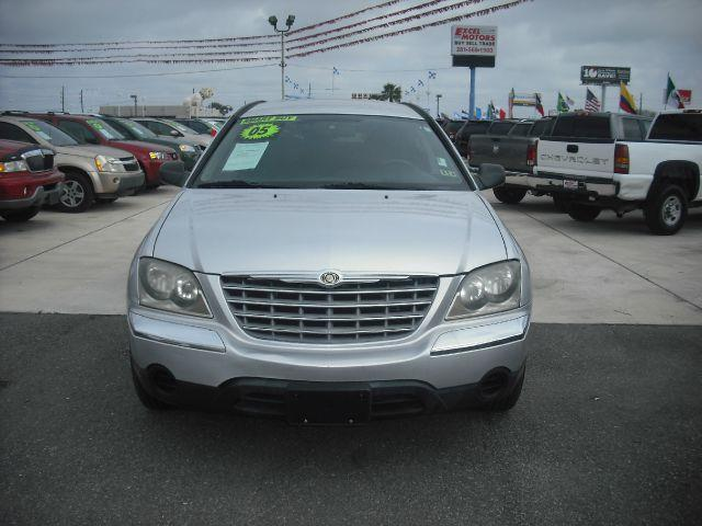 2005 CHRYSLER PACIFICA TOURING FWD silver down payment 995  excel motors offers an extensive inve