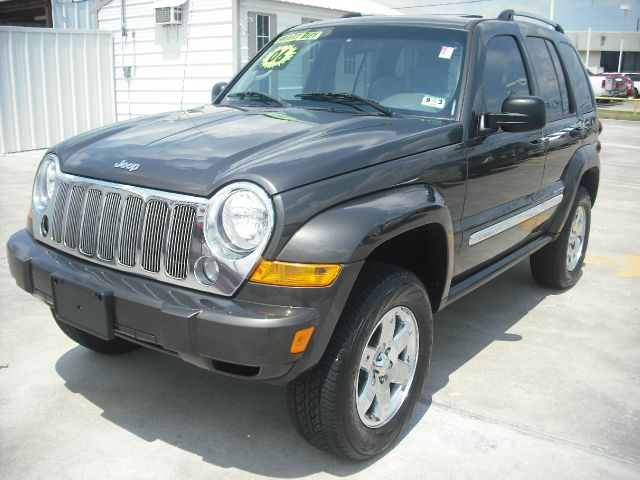 2006 JEEP LIBERTY LIMITED 2WD gray its so easy to be approved here your job  bills get you on t