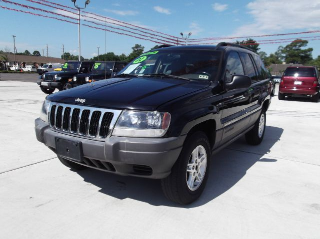 2002 JEEP GRAND CHEROKEE LAREDO 4WD black down payment 1500  excel motors offers an extensive inv