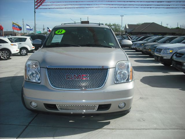 2007 GMC YUKON DENALI AWD gold down payment 6000  excel motors offers an extensive inventory of q