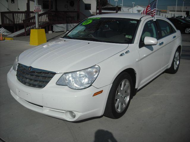2007 CHRYSLER SEBRING LIMITED white down payment 1500  excel motors offers an extensive inventory