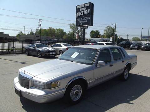 1995 Lincoln Town Car for sale in Fraser, MI