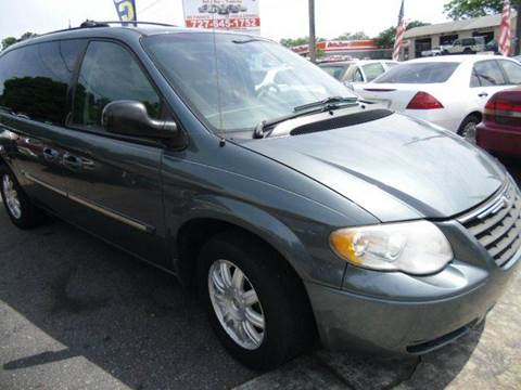 2005 Chrysler Town and Country for sale in New Port Richey, FL