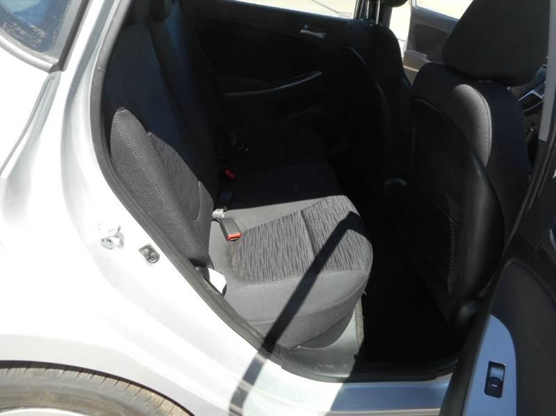 2016 Hyundai Accent SE 4dr Hatchback 6A - Aberdeen SD