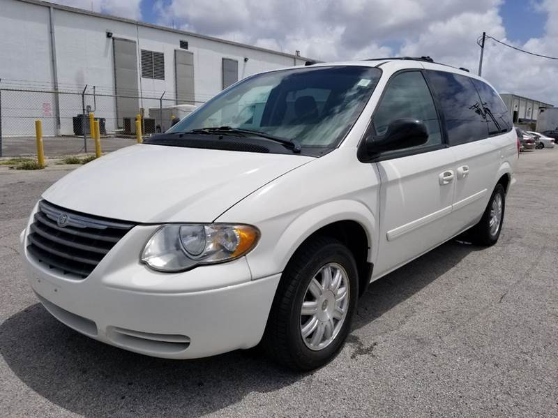 2005 chrysler town and country lx 4dr extended mini van in. Black Bedroom Furniture Sets. Home Design Ideas