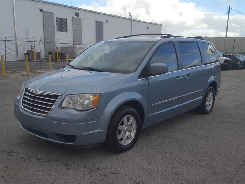 2009 chrysler town and country touring mini van 4dr in miami fl citgo auto sales. Black Bedroom Furniture Sets. Home Design Ideas