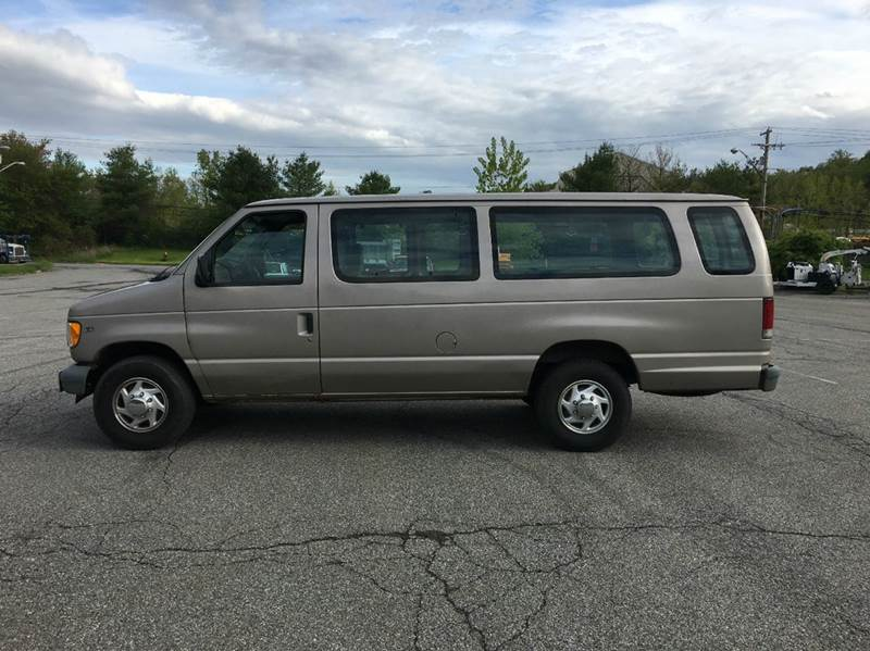 2002 Ford E-Series Wagon E-350 SD XL 3dr Extended Passenger Van - Carmel NY