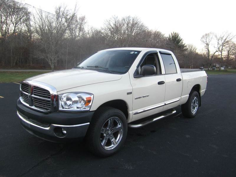2007 dodge ram pickup 1500 slt 4dr quad cab 4wd sb in east bridgewater ma route 106 motors. Black Bedroom Furniture Sets. Home Design Ideas