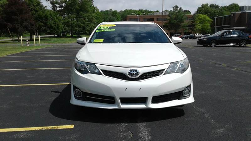 2014 Toyota Camry SE 4dr Sedan - East Bridgewater MA