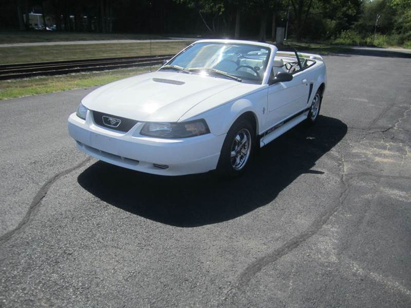 2002 Ford Mustang Deluxe 2dr Convertible In East