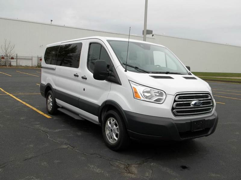 2015 ford transit wagon 150 xlt 3dr swb low roof passenger. Black Bedroom Furniture Sets. Home Design Ideas