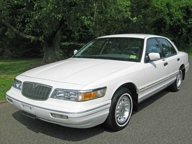 1997 mercury grand marquis gs 2nd owner at 33k miles. Black Bedroom Furniture Sets. Home Design Ideas