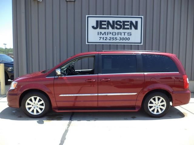 2011 chrysler town and country touring l 4dr mini van in for Jensen motors sioux city