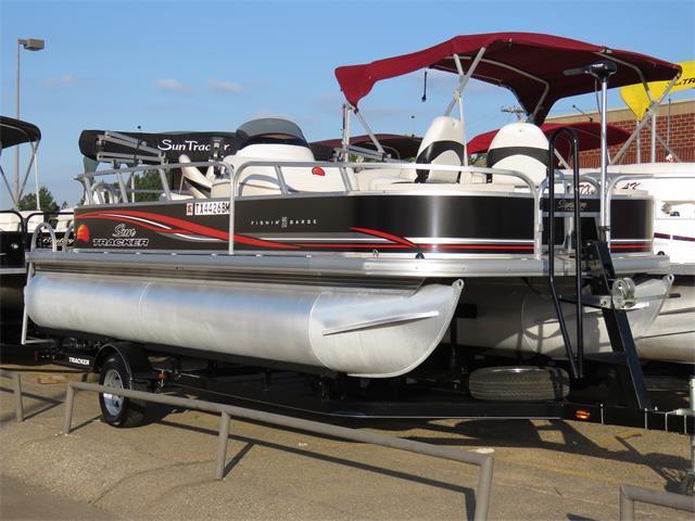 2011 Sun Tracker Fishin' Barge