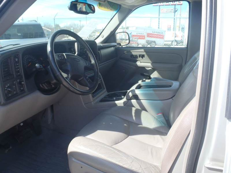2004 Chevrolet Suburban 1500 Z71 4WD 4dr SUV - Des Moines IA