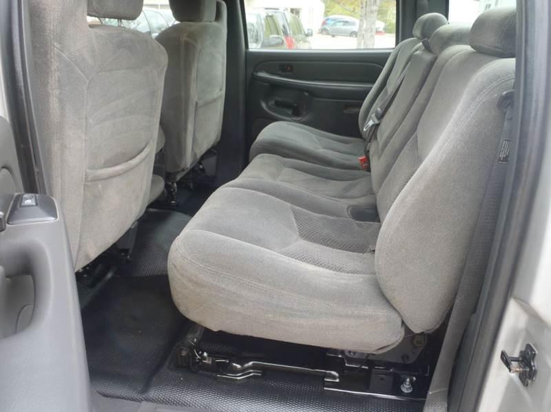 2004 Chevrolet Silverado 2500HD 4dr Crew Cab 4WD LB - Des Moines IA