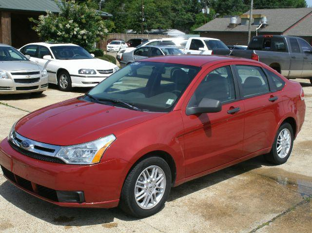 2009 FORD FOCUS SE 4DR SEDAN red air conditioning amfm radio wcd player bucket seats cloth se