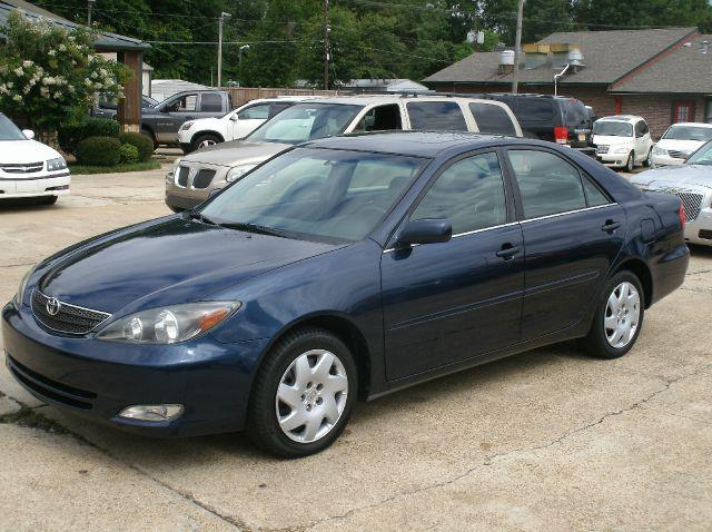 2004 TOYOTA CAMRY SE 4DR SEDAN blue air conditioning amfm radio wcd player anti-lock brakes a