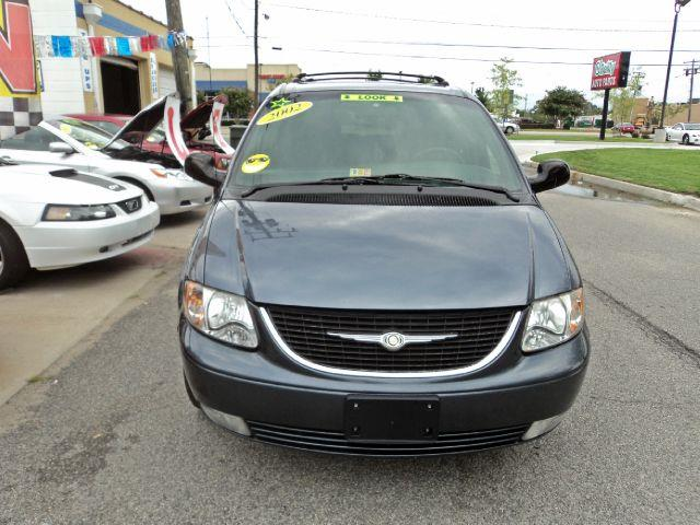 2002 Chrysler Town & Country LXi - Norfolk VA