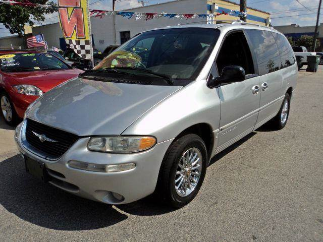 2000 Chrysler Town and Country Limited - Norfolk VA