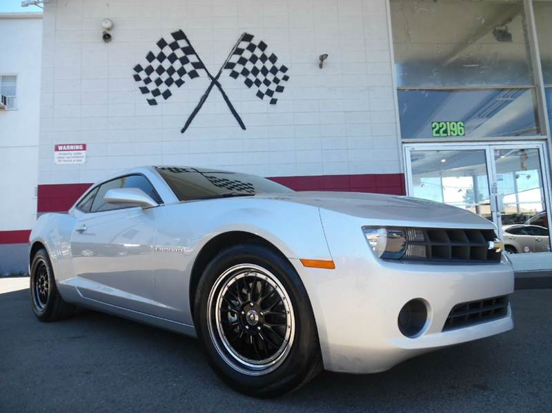 2013 CHEVROLET CAMARO LS 2DR COUPE W1LS silver vin 2g1fe1e35d9245871 this is a very nice chevy c