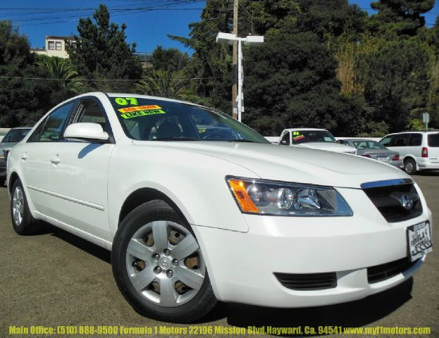 2007 HYUNDAI SONATA GLS XM white 24l automatic moon roof power seats abs brakesair conditionin