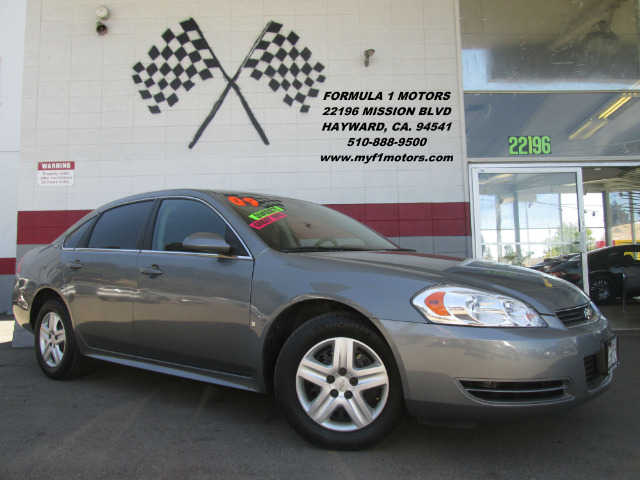 2009 CHEVROLET IMPALA LS 4DR SEDAN grey this is a very nice chevy impala  its in great condition
