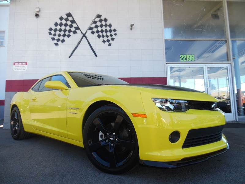 2015 CHEVROLET CAMARO LT 2DR COUPE W1LT yellow and black this chevy camaro is super clean inside
