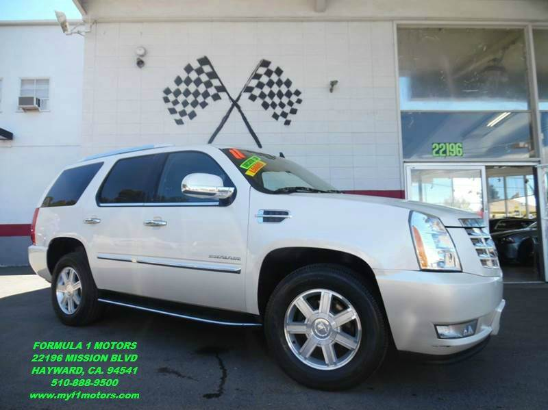 2011 CADILLAC ESCALADE BASE 4DR SUV white super clean cadillac escalade perfect color combination