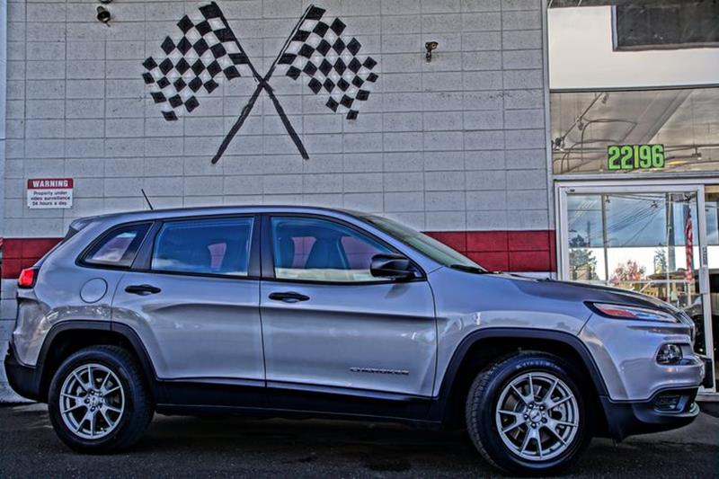 2014 JEEP CHEROKEE SPORT 4DR SUV billet silver metallic clearco what do you get when you combine