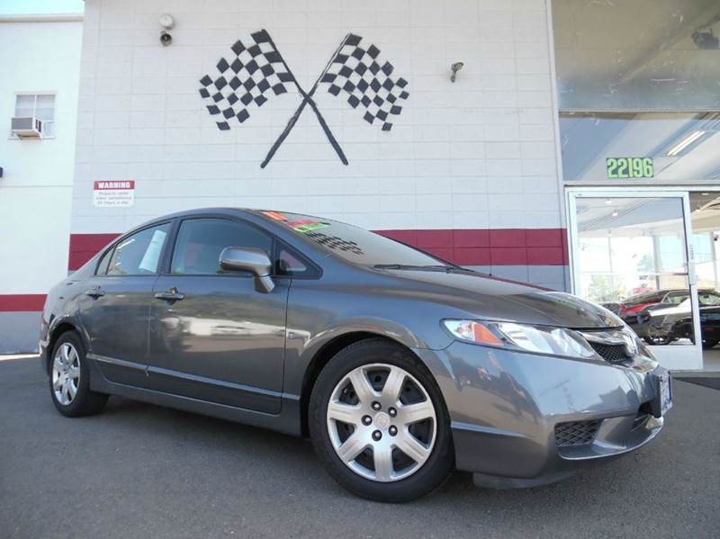 2011 HONDA CIVIC LX 4DR SEDAN 5A grey vin19xfa1f51be041070 this is a very nice honda civic depe