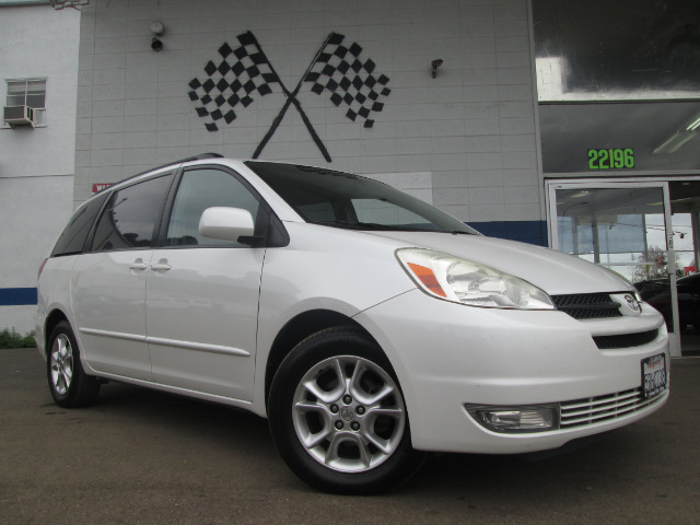 2005 TOYOTA SIENNA XLE pearl white abs brakesair conditioningalloy wheelsamfm radioanti-brake