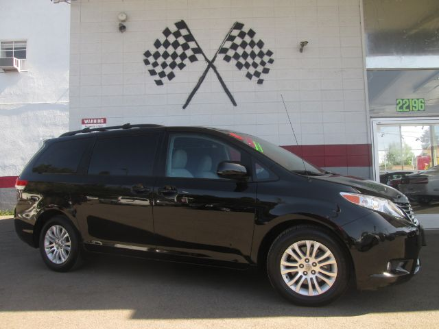 2011 TOYOTA SIENNA XLE 8-PASSENGER 4DR MINI VAN black super clean toyota sienna seats 8 loaded w