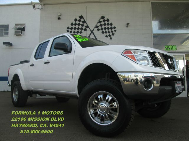 2007 NISSAN FRONTIER SE CREW CAB SHORT BED 4WD white 4wdawdabs brakesair conditioningalloy whe