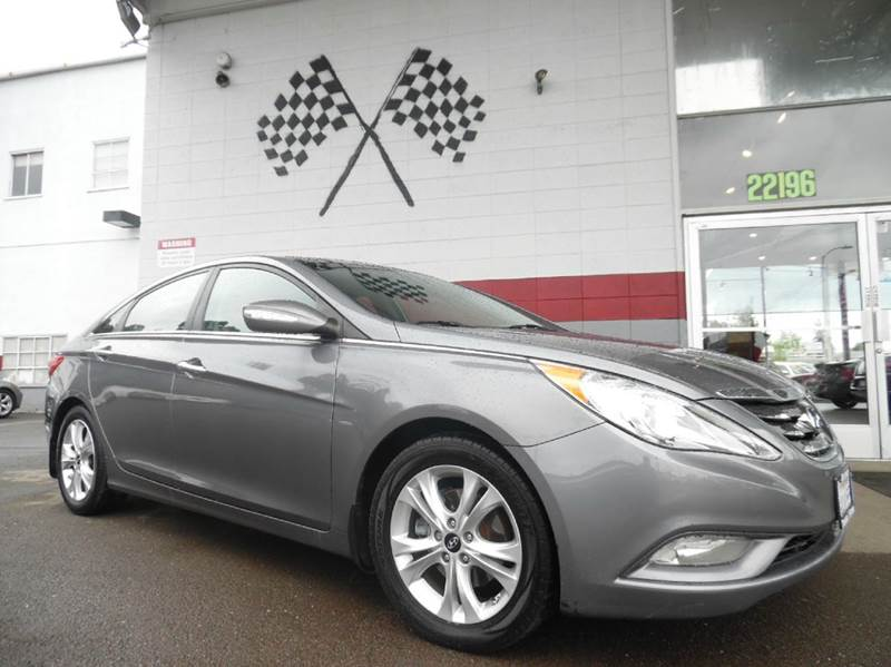 2012 HYUNDAI SONATA LIMITED 4DR SEDAN 6A grey this unit is an outstanding dependable car great