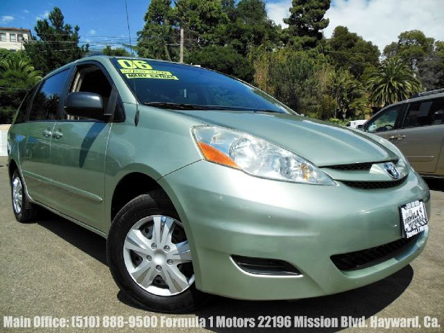2006 TOYOTA SIENNA CE green 33l v6 automatic 3rd row seating dual sliding doors luggage rack