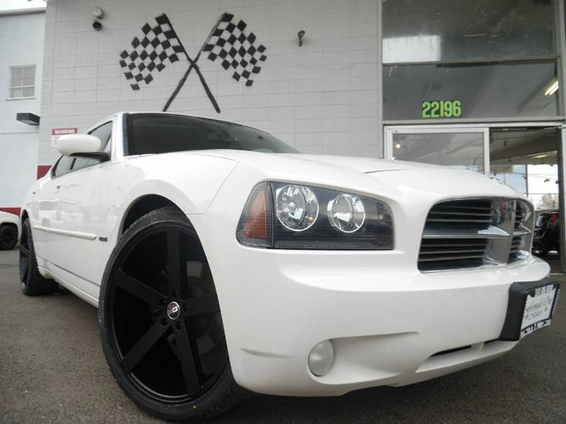 2010 DODGE CHARGER RT 4DR SEDAN white this dodge charger is a beautiful fast car with leather in