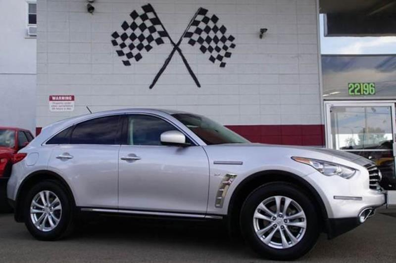 2014 INFINITI QX70 BASE 4DR SUV 37L V6 liquid platinum distinctive design agile performance a