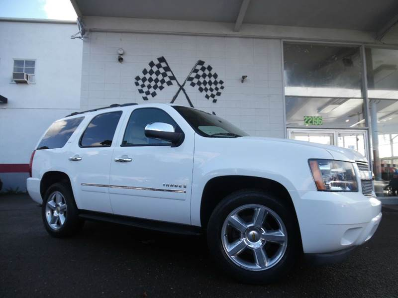 2009 CHEVROLET TAHOE LTZ 4X2 4DR SUV white vin 1gnfc33j99r290195 this chevy tahoe is fully loaded