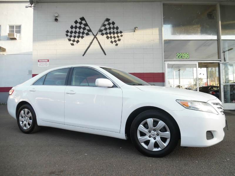2011 TOYOTA CAMRY LE 4DR SEDAN 6A white vin 4t4bf3ek3br125736 extremely reliable vehicle with su