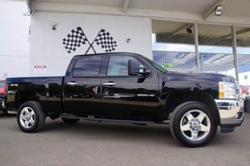 2013 CHEVROLET SILVERADO 2500HD LT 4X4 4DR CREW CAB SB black chevy has your back our 2013 silver