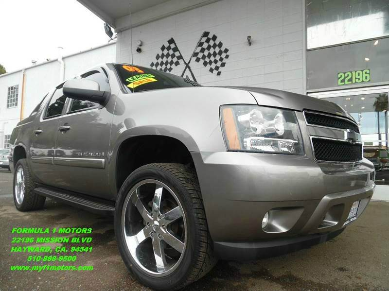 2008 CHEVROLET AVALANCHE LTZ 4X2 4DR CREW CAB SB grey super clean chevy avalanche premuim wheels