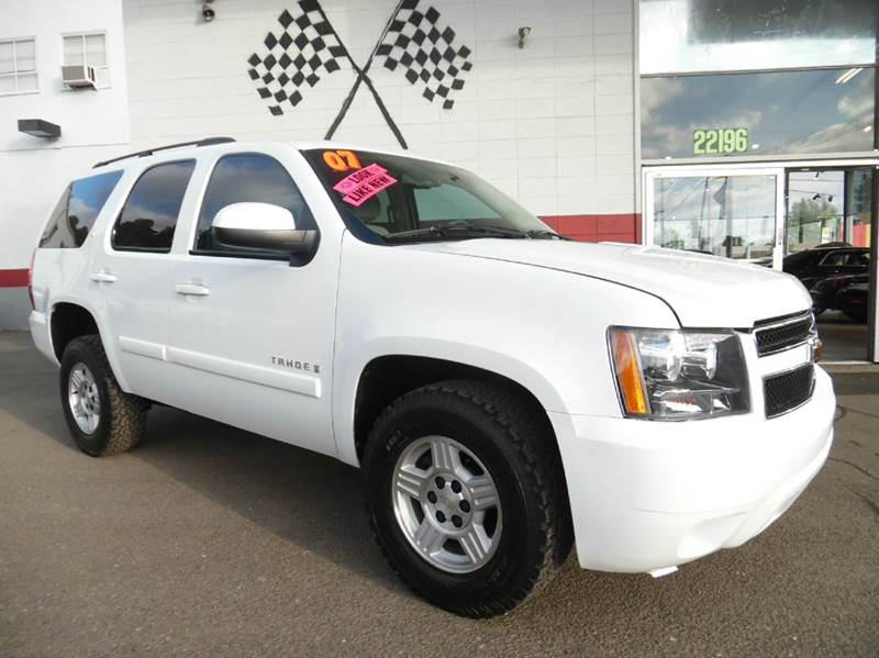 2007 CHEVROLET TAHOE LS 4DR SUV 4WD white this is a very nice chevy tahoe runs great in perfect
